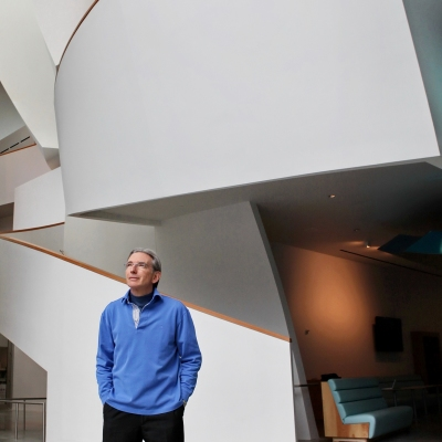 16. Michael Tilson Thomas in New World Center Atrium - photo by Tomas Loewy