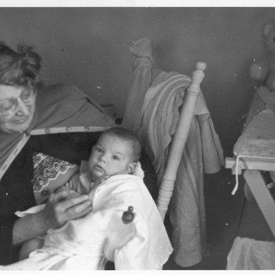With his grandmother Bessie Thomashfsky